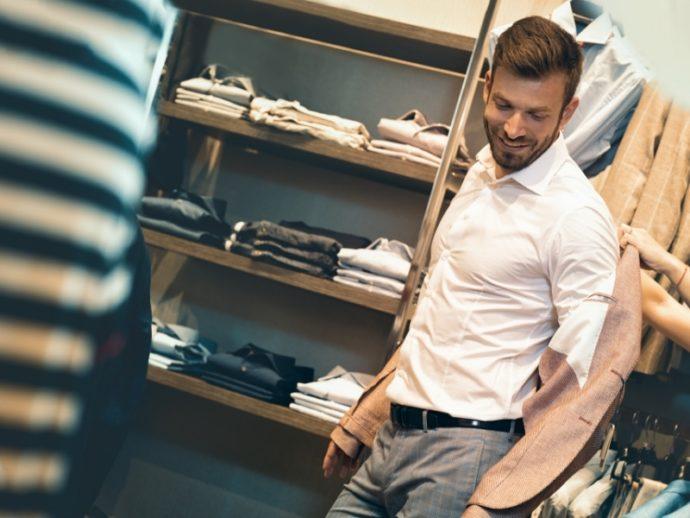 筋肉質男性ファッションの基本 極端な筋肉アピールは逆効果