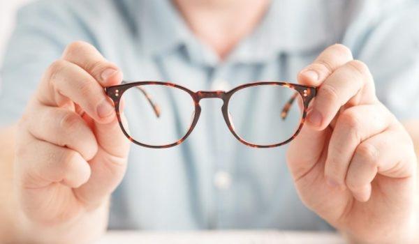 おデブ体型に似合う眼鏡の選び方|眼鏡をかけてクールに決めろ!